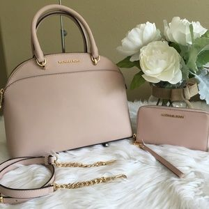 New Michael Kors Large Emmy Satchel & wallet